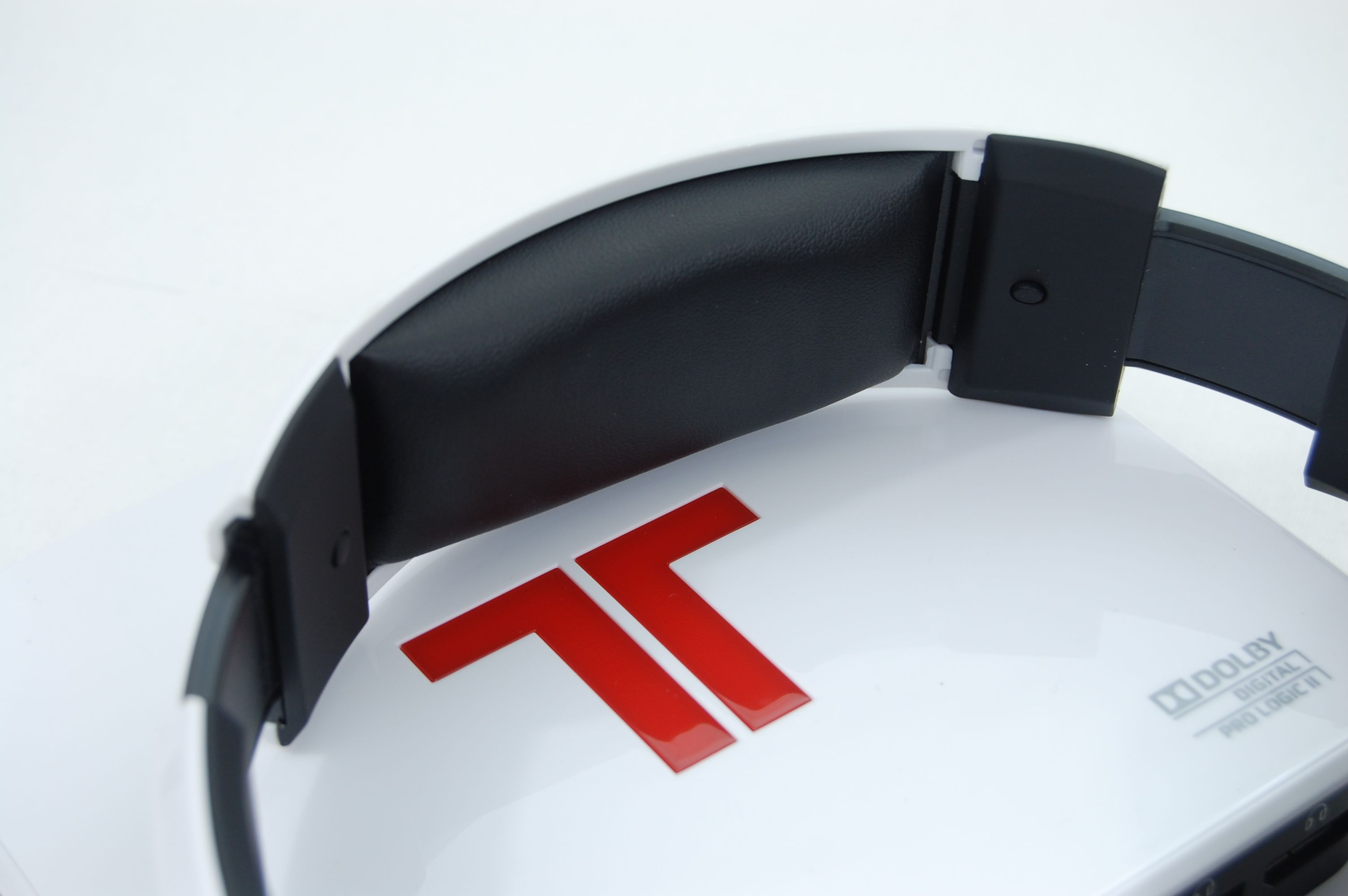 Tritton by MadCatz Pro+ 5.1 Surround Gaming Headset Review - Headband Padding