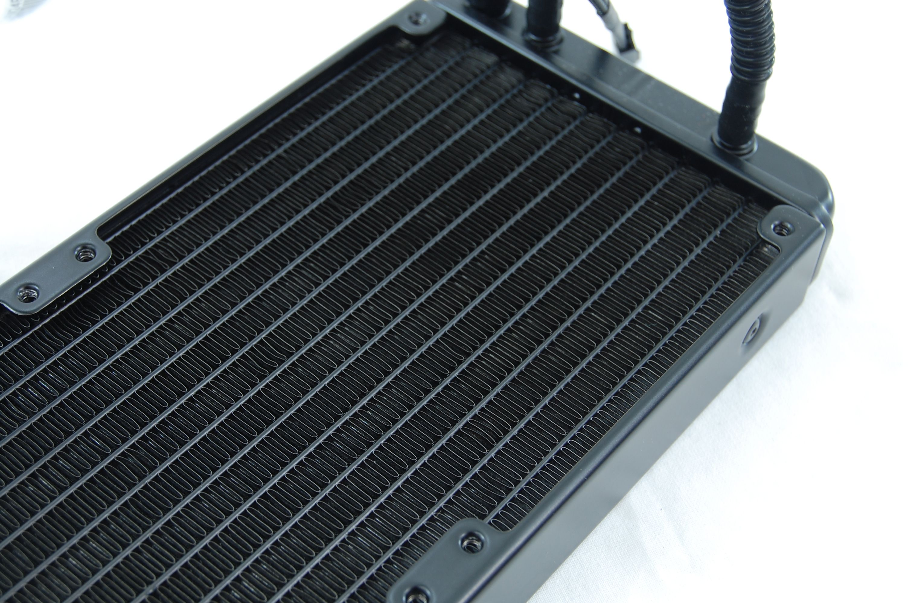 CoolerMaster Seidon 240M All-in-One Liquid CPU Cooler Review - 240mm Radiator Fins
