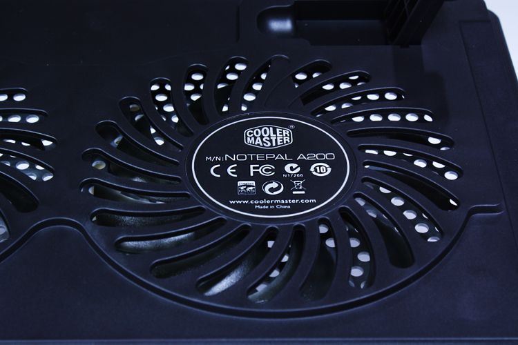 Cooler Master Notepal A200 Notebook Cooler Review - Fan Closeup