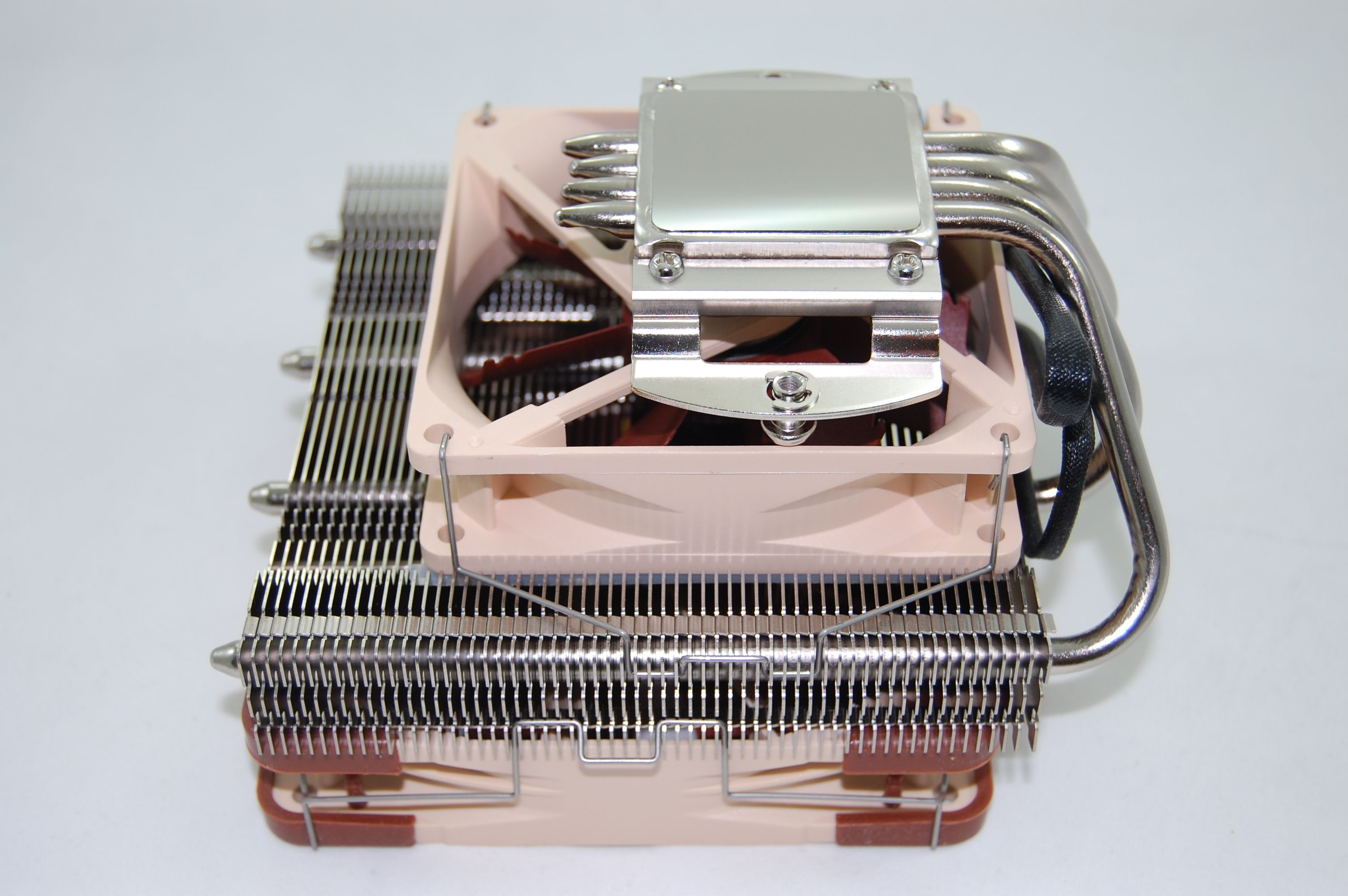 Noctua NH-L12 Bottom