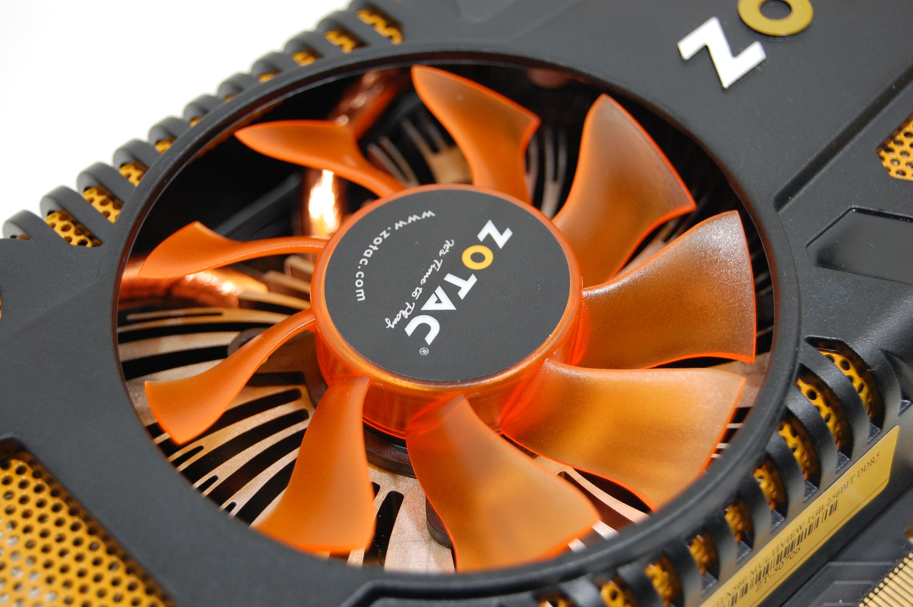 Zotac GTX 560 Multiview Fan