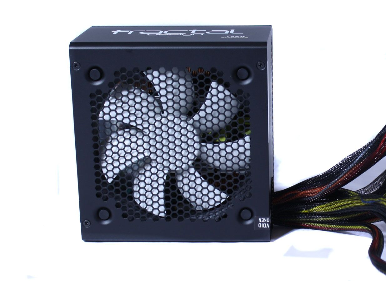 Fractal Design Integra R2 750W Fan