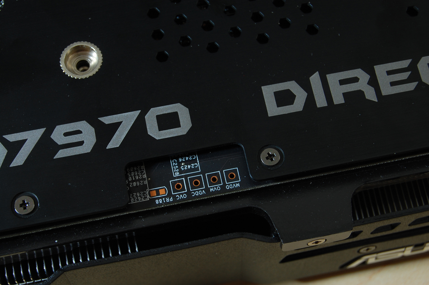 ASUS HD 7970 DCUII Review - Voltage-hardwire