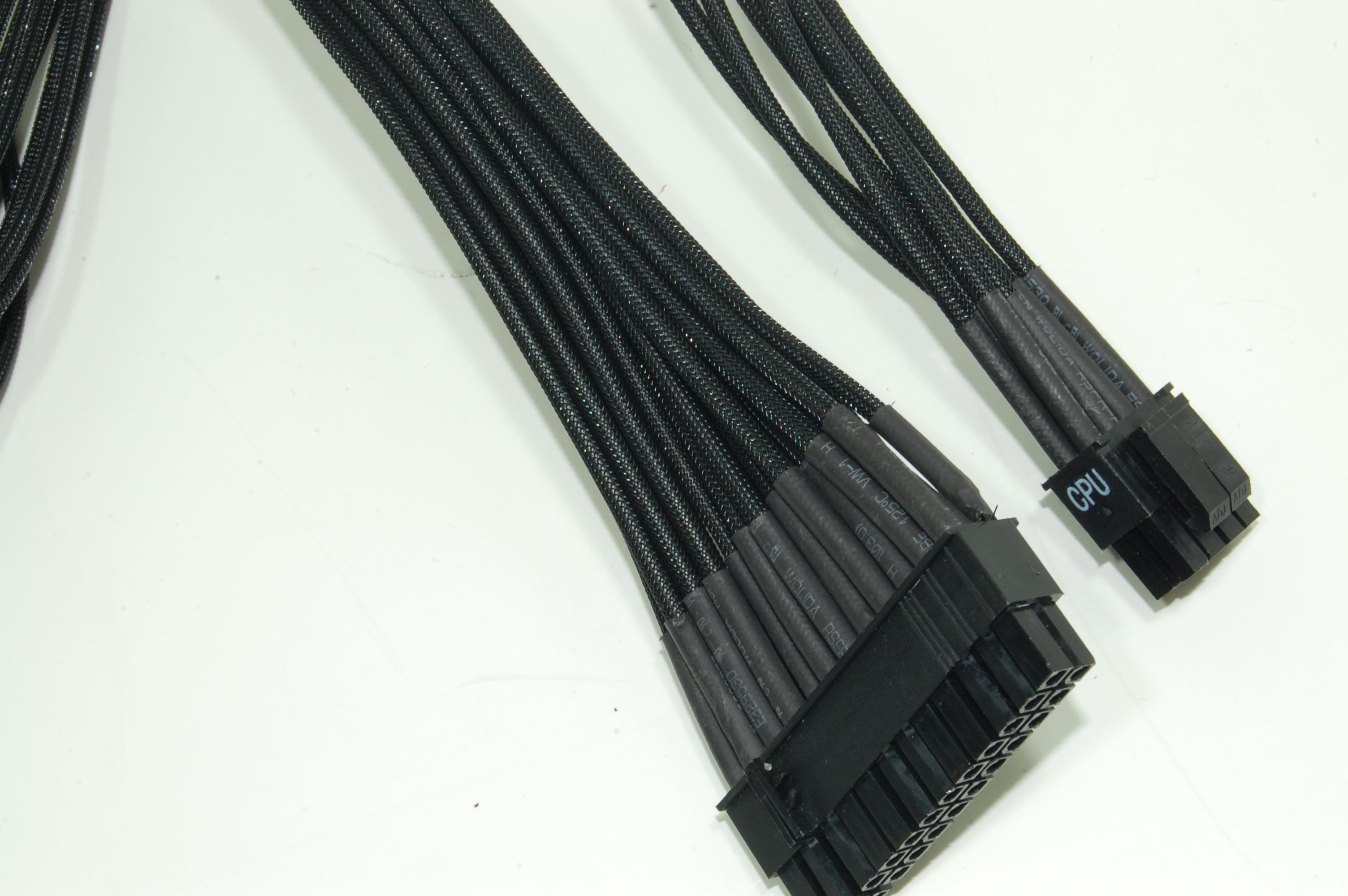 OCZ Fatal1ty 1000W Power Supply Cables