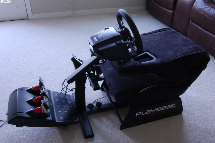 playseat-evolution-folded